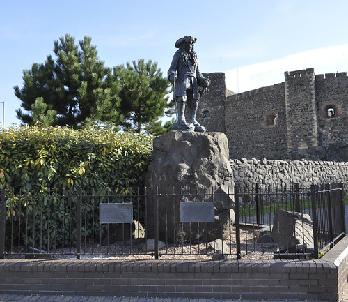 Statue of King William III at Carrickfergus Castle. 2 by alan06