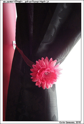DIY Curtain Tie-Backs, Daisy, Flower, Pink, Black, Damask, Bedroom,