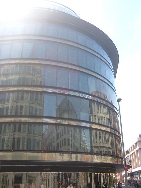 Galerias La Fayette se encuentran en una de las calles más conocidas para ir de compras en Berlín