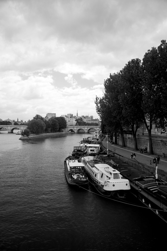 River Seine in B&W