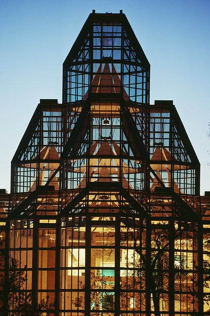 TemStock - Glass House