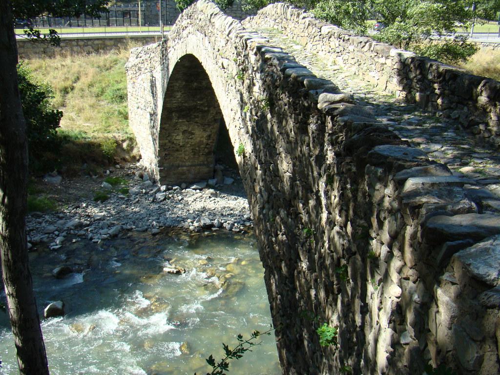 Puente romanico La Margineda Andorra 06