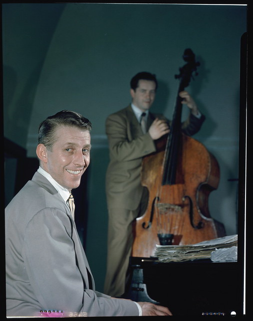 [Portrait of Stan Kenton and Eddie Safranski, 1947 or 1948] (LOC)