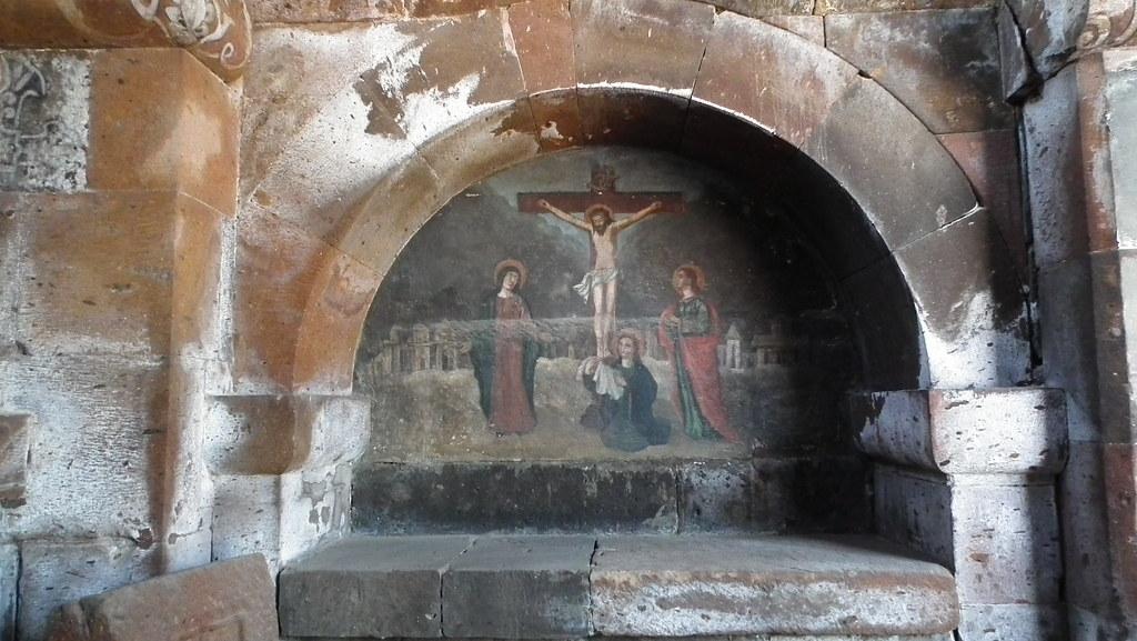Echmiadzin pintura mural crucifixion de Cristo interior Iglesia Santa Gayane Armenia Patrimonio de la Humanidad Unesco 07
