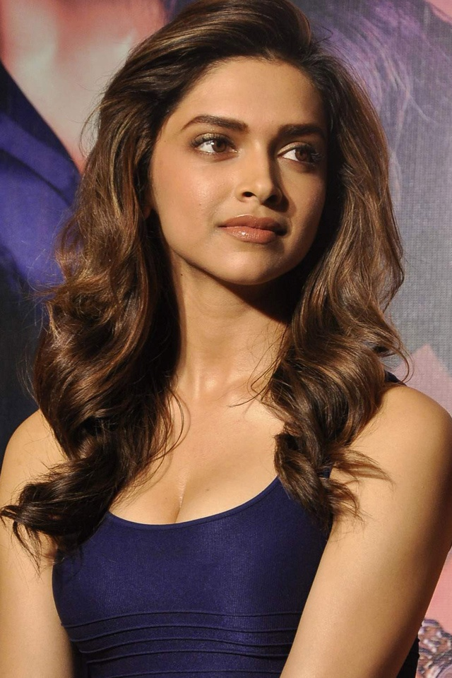 Hot and Sexy Deepika Padukone