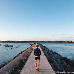 Take me to the #sunset at the #lighthouse #walkway #harbour #sagres @algarvetourism #featuremealgarve #algarve #portugal #travel #travelgram #photooftheday #guardiantravelsnaps #igportugal #instatravel #visitportugal #traveling #travelphotography