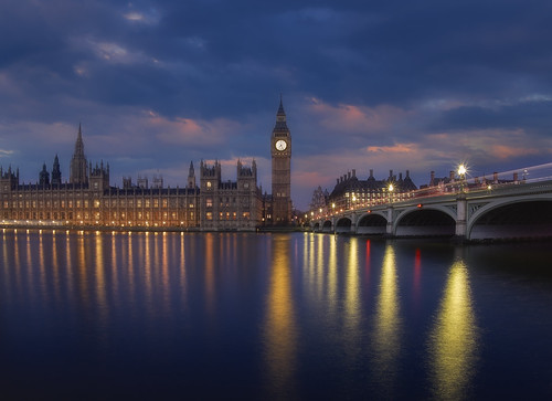 Westminster & Big Ben at sunrise