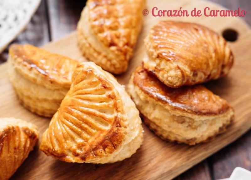 Empanadas de ojaldre rellenas de manzana