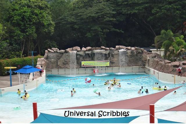 Wild-Wild-Wet Wave Pool