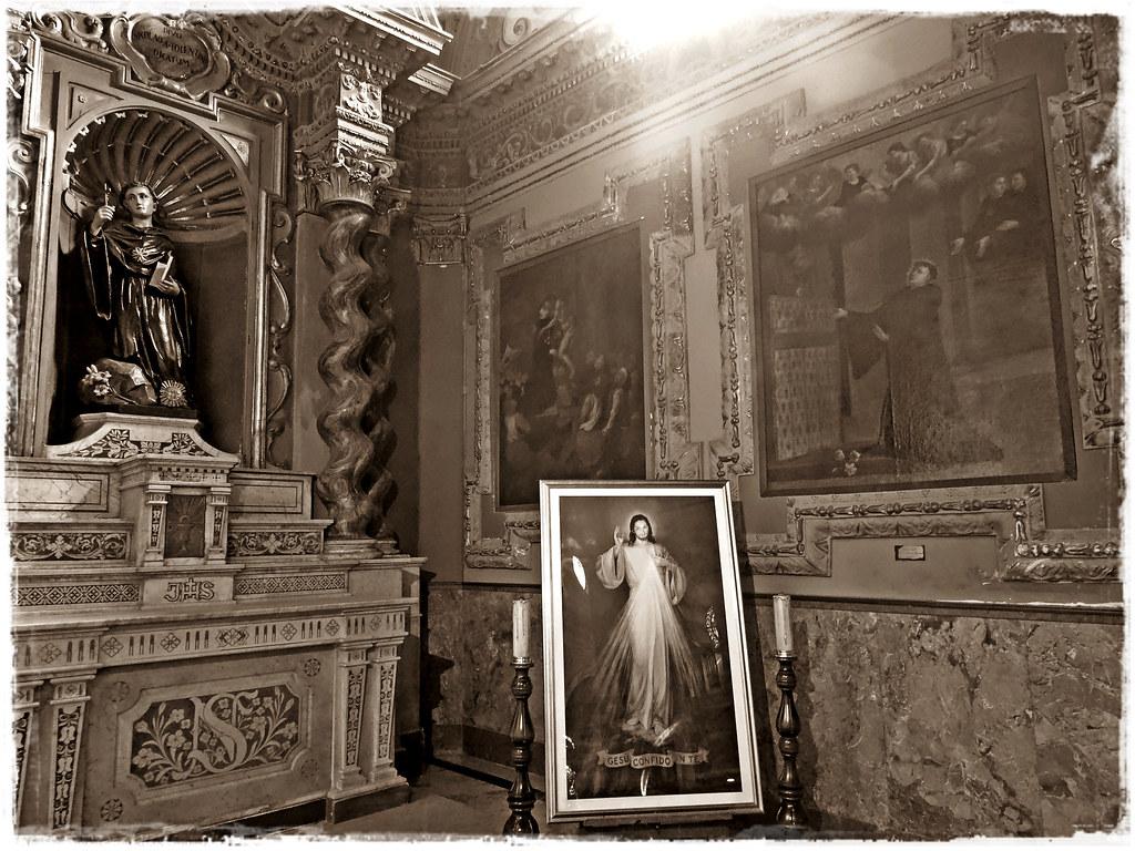 Chiesa di Sant'Agostino - quadro della Divina Misericordia - sepia