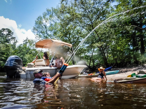 Edisto River Rope Swing and Beer Commercial Float-100