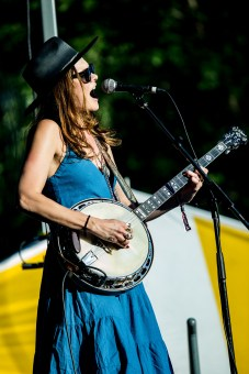 Honeyhoney on the Boxcar Stage