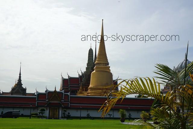 王宮 仏舎利の仏塔