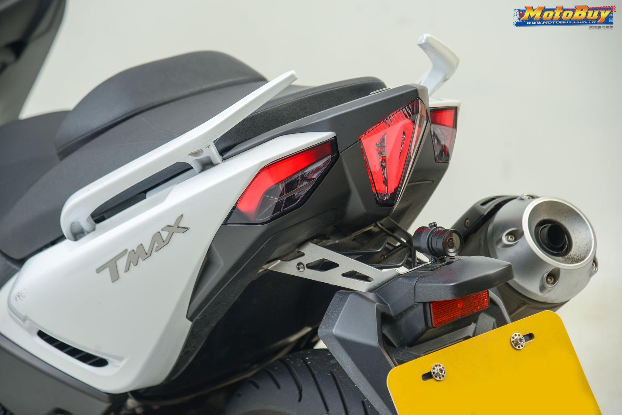 [部品情報] 流線導光自由變化! LEVEL10 TMAX530燈系套件   MotoBuy