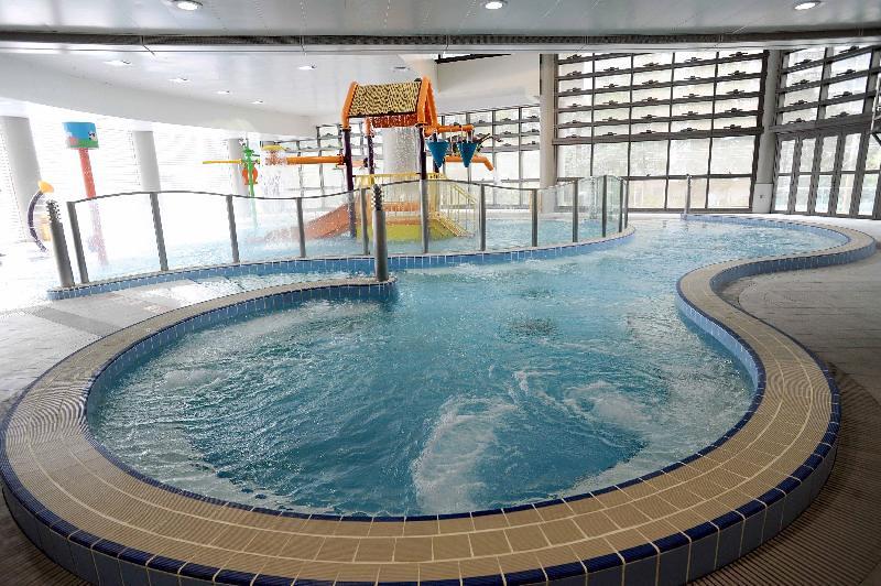 屯門西北游泳池