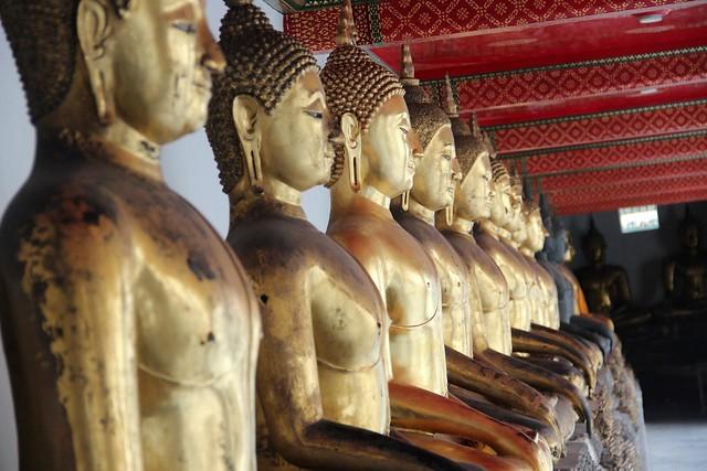 4c. Temple of the Reclining Buddha (Wat Pho)