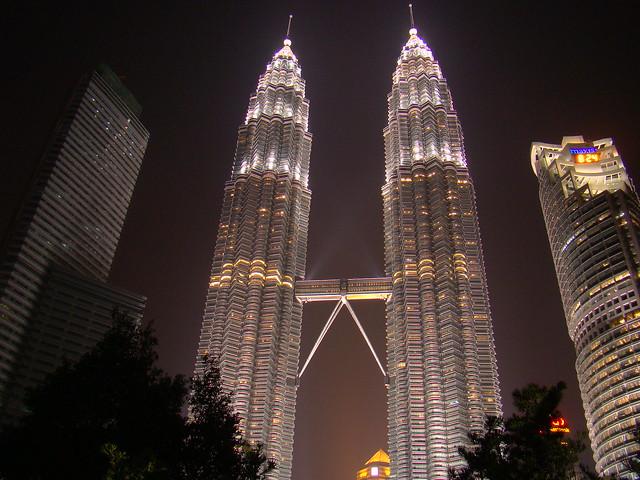 6b. Petronas Twin Towers