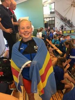 Olivia i flaggan