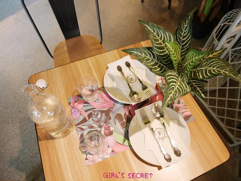 高雄鳳山美食餐廳|J.C co 藝術廚房|森林系夢幻餐廳 |童話風鳥籠座位 @ 秘密女孩 Viki :: 痞客邦