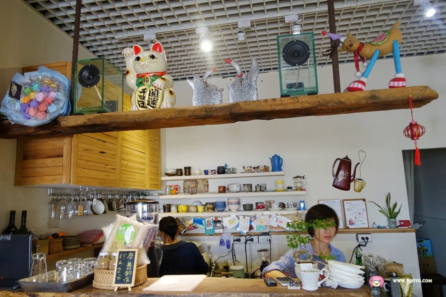 [台中.美食]何朝宗建築師事務所咖啡廳~東勢林場附近.食尚玩家推薦.專業手沖咖啡.新鮮手做麵包 @VIVIYU小世界