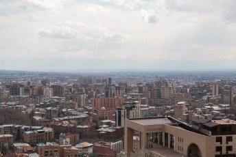 Jerevan wordt de roze stad genoemd omdat de meeste gebouwen uit roze gesteente zijn opgetrokken.