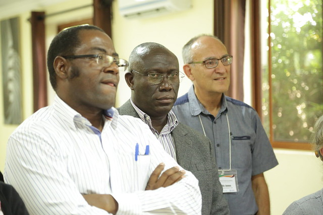 Moses Tenywa (front) and Jim-Ellis Jones (background) Africa RISING Science Advisory Group members and chief scientist East & Southern Africa Mateete Bekunda (middle) (photo credit: IITA/Jonathan Odhong)