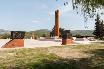 Het door de sovjets gebouwde monument voor de slachtoffers van de tweede wereldoorlog.