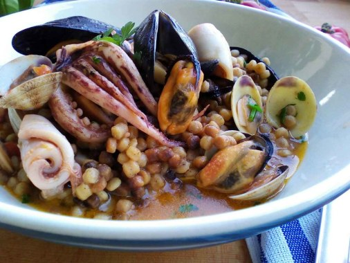 La ricetta della fregola ai frutti di mare