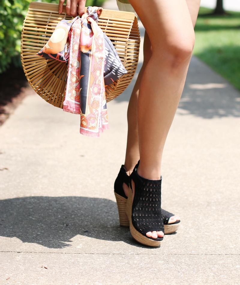 wooden-bag-scarf-shorts-wedges-sandals-7