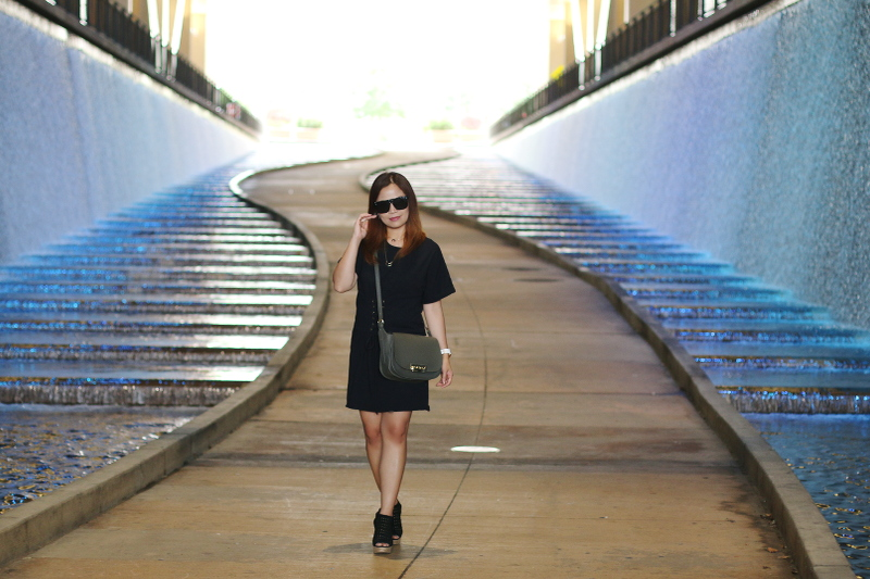 black-shirt-dress-marc-fisher-sandals-zac-posen-bag-6