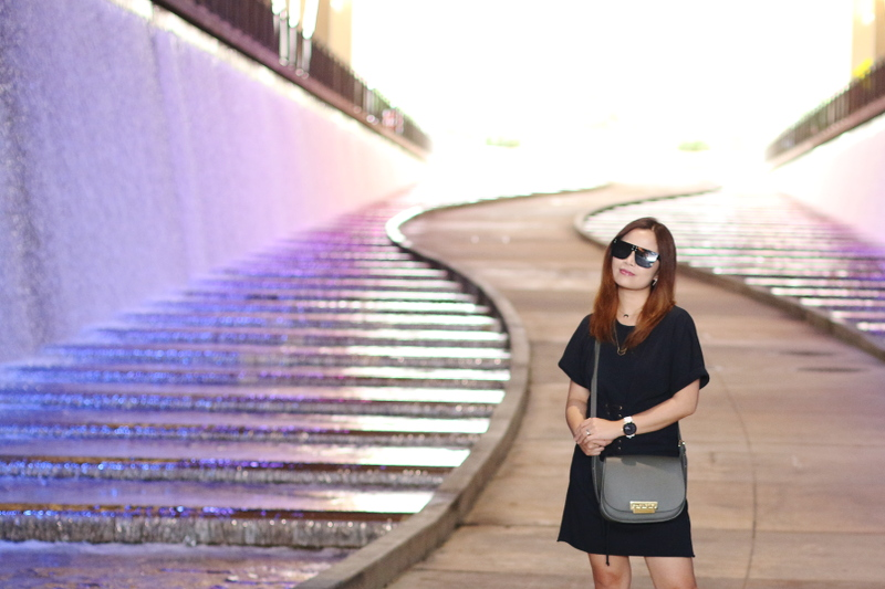 zac-posen-bag-shirt-dress-quay-sunglasses-7