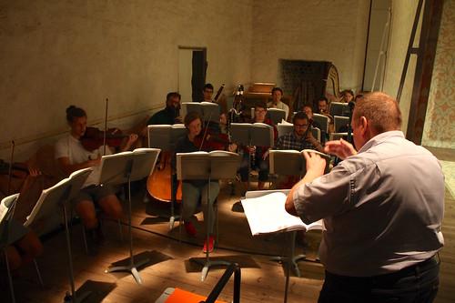 B Tommy Andersson leder orkestern