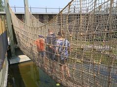Crossing the Lemur Bridge 7D2_2548