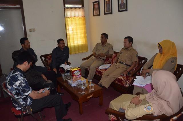 Rapat Koordinasi KPU Tulungagung dengan Dispendukcapil Tulungagung dikantor KPU Tulungagung (24/7)