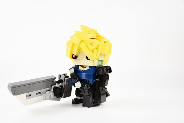"FINAL FANTASY 7 ""Advent Children"" Brickheadz"