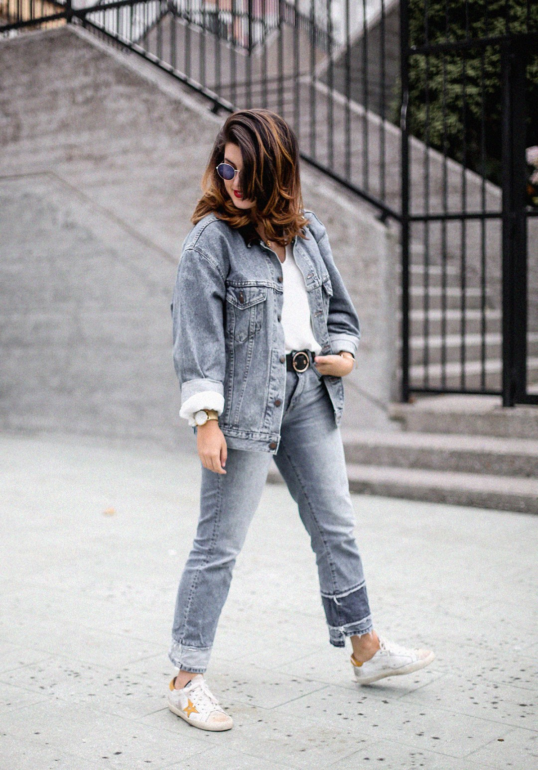 double-denim-look-vintage-jacket-levis-golden-goose-sneakers-outfit13