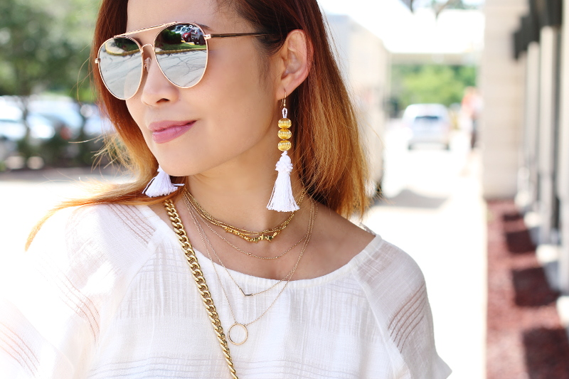 quay-australia-mirrored-sunglasses-tassel-earrings-layered-necklaces-5
