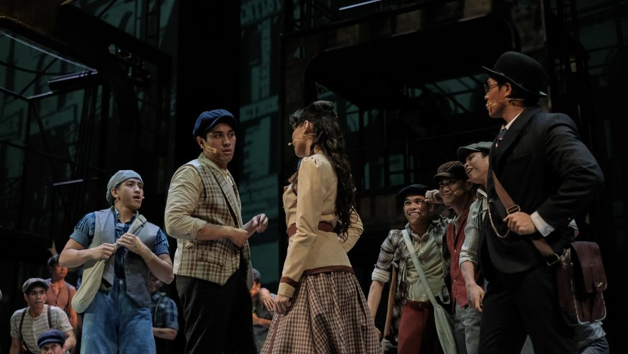 Globe Live & 9 works Disney The Newsies (3 of 41)