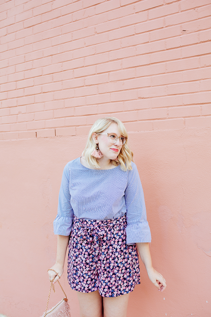 austin fashion blogger writes like a girl bell sleeves floral shorts12