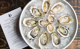 Salted-Sea-restaurant-raw-oysters