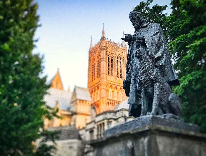 Tennyson at Lincoln Cathedral