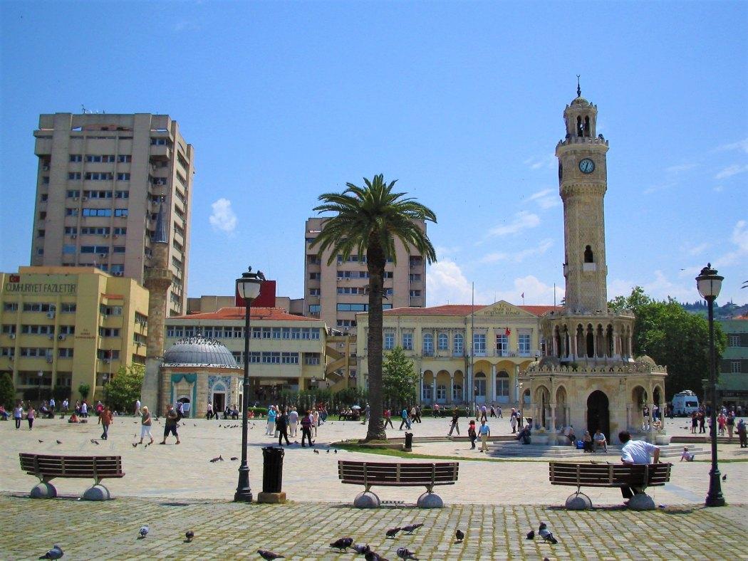 Konak Meydan, Izmir