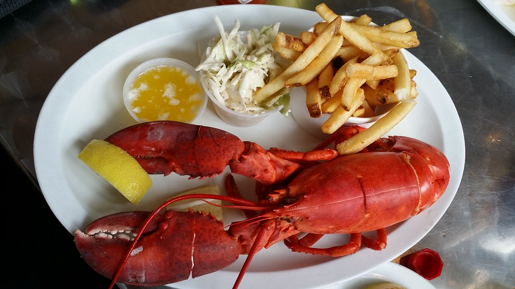 St. Paul's Fish Company   Places to See in Milwaukee