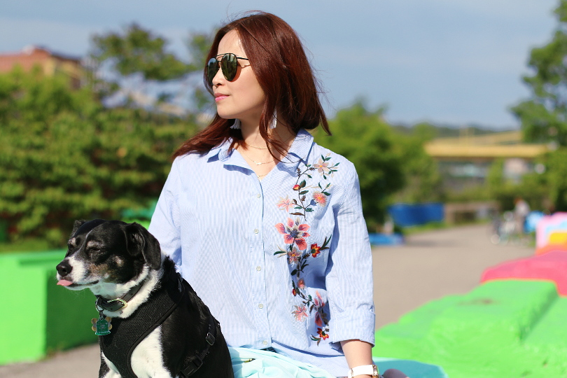 dog-embroidered-button-down-shirt-quay-sunglasses-3
