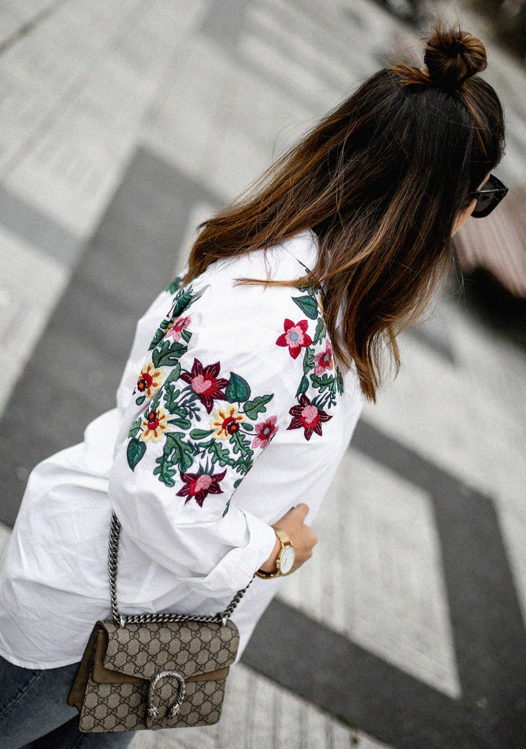 embroidered-white-blouse-bow-flats-hm-gucci-dionysus-streetstyle5