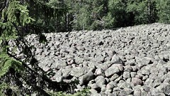 Field of stone rubble