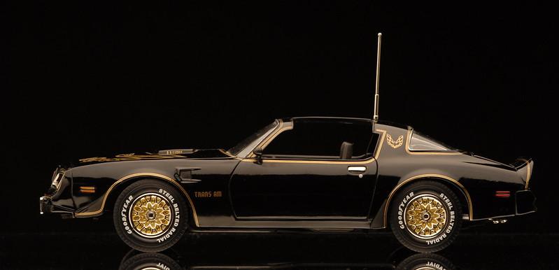 The Car Movie 1977 Wallpaper 1977 Pontiac Firebird Trans Am 403ci T Top By Ertl 1 18