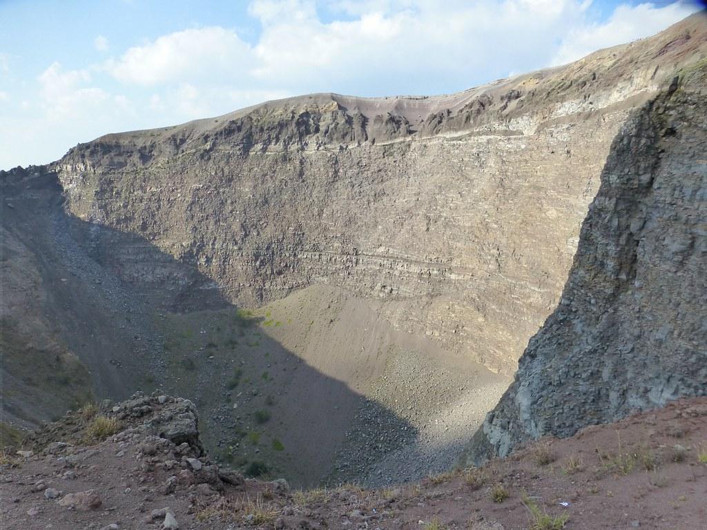 hight resolution of  vesuvius rim view