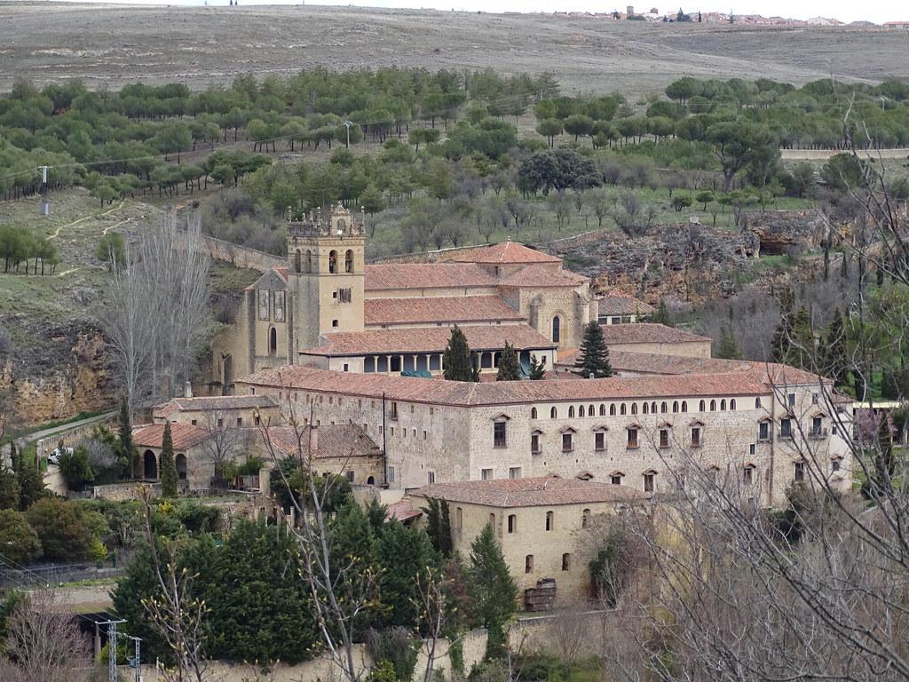 Segovia exterior del Monasterio de Santa Maria del Parral 03