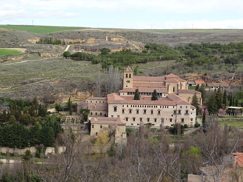 Segovia exterior del Monasterio de Santa Maria del Parral 02